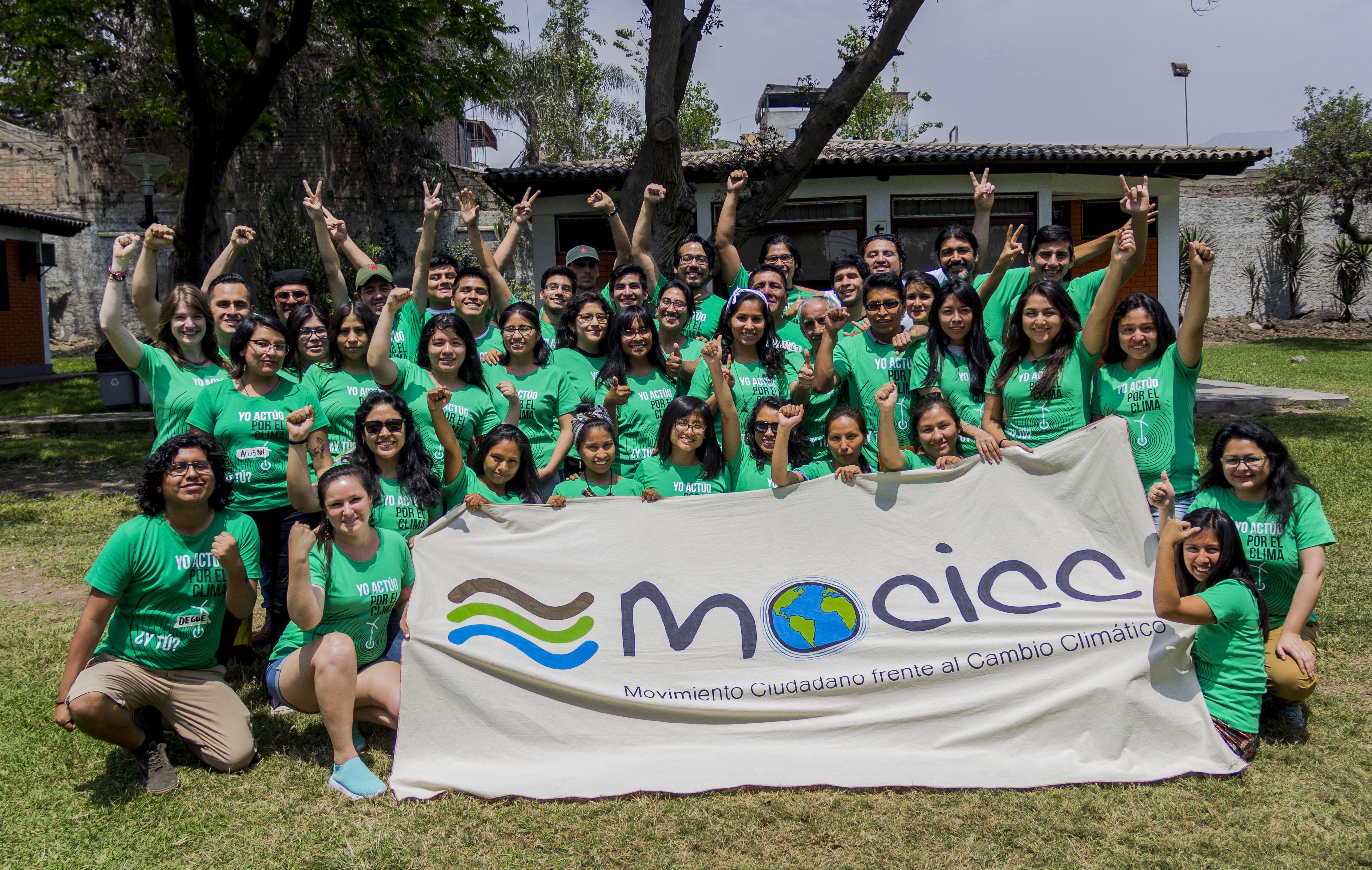 Jóvenes comprometidos con la lucha climática se formaron en la escuela del MOCICC